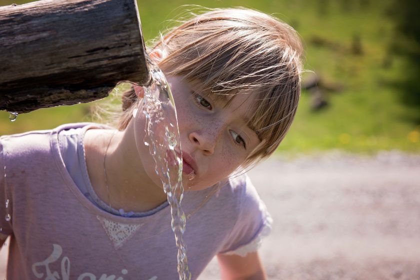 Po jakie napoje powinny sięgać dzieci