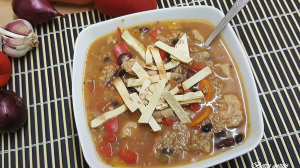 zupa-meksykanska-z-tortilla-i-kurczakiem
